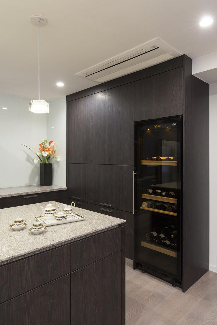オーダーキッチン/オープンキッチン/二列型/木目/ビルトイン機器/収納/ワインセラー
