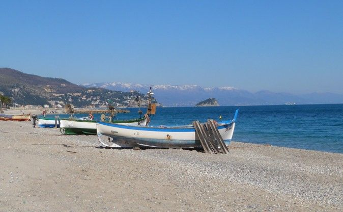 Discover the beauty of the Italian Riviera in winter. Click the photo and be insired on www.beautifuliguria.com