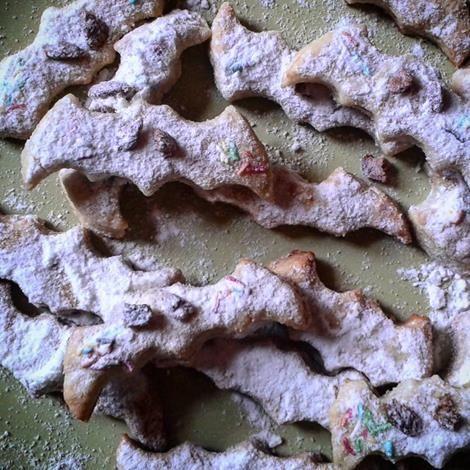 Sampling our latest bath of Transylvania bat cookies #followthebat #cookies #transylvaniahostel