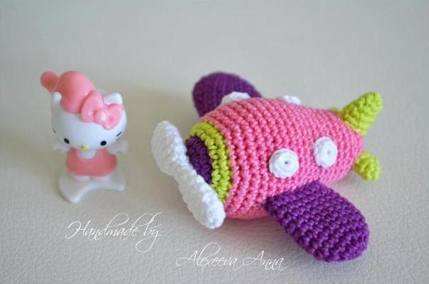 airplane toy free crochet pattern