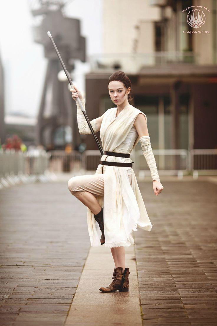 Rey (Star Wars: The Force Awakens) #cosplay