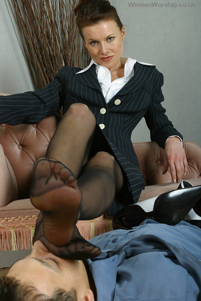 A Serious Pantyhose Fetish And He 102