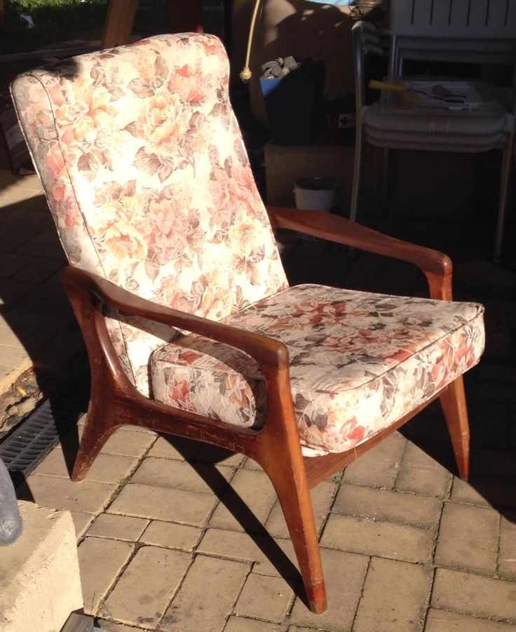 Fred Lowen Fler SC58 armchair. Needs recovering!