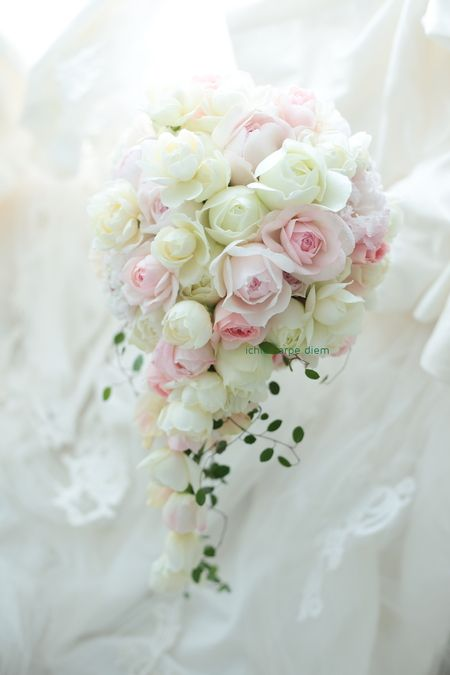 この2月、ブーケをお届けした帝国ホテルの花嫁様より 当日のお写真をいただきました。    ・・・・・・・・・・・・・・・・・・・・・・・・・...