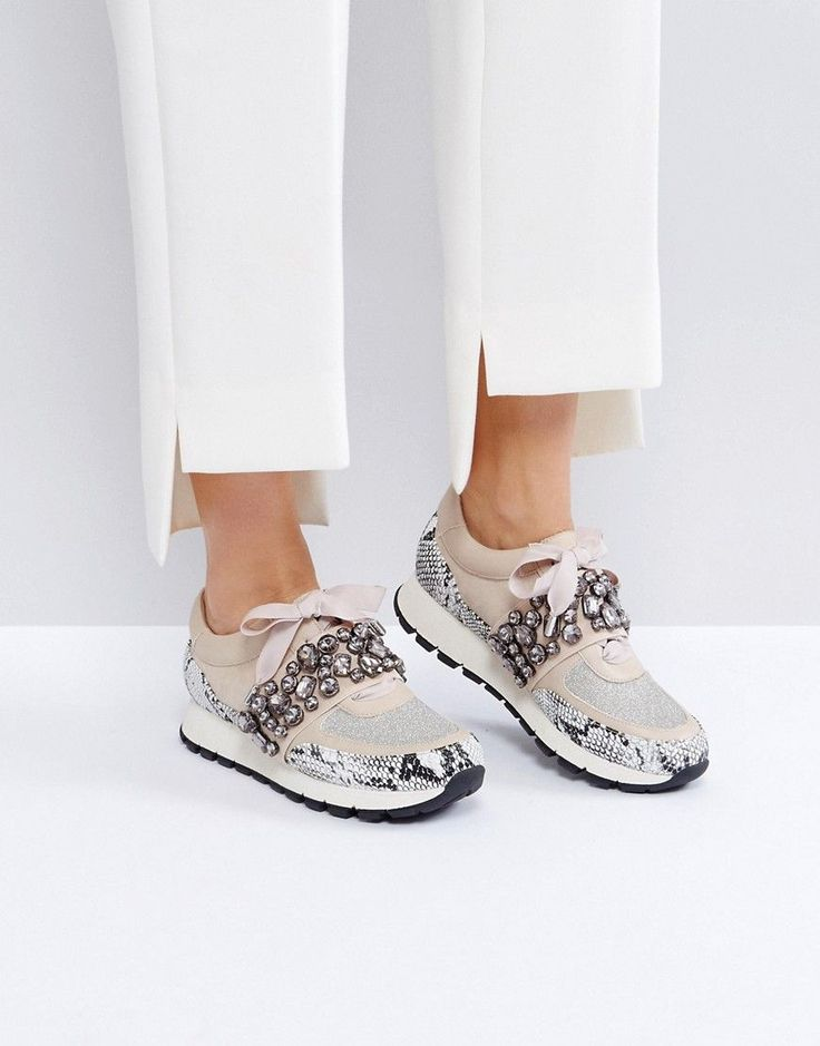KG KURT GEIGER KG BY KURT GEIGER LOVELY EMBELLISED SNEAKERS - BEIGE. #kgkurtgeiger #shoes #