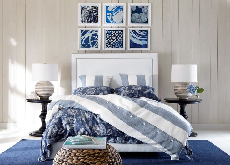 In this series, circular movement large and small dominates the images, which feel coastal, owing to their fresh, blue-and-white palettes with occasional gray touches. What makes them special is an un