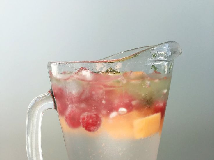 Cantaloupe adds a sweet melon flavor to the water to balance out the tangy lime and earthy mint flavors. The best thing about this infused water: ittastes just as good as it looks.  Make This Water:  3 squeezed lime wedges 1/3 cup of chopped mint 1/2 cup of muddled raspberries 1/2 cup of cubed cantaloupe