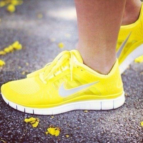 nike amarillas