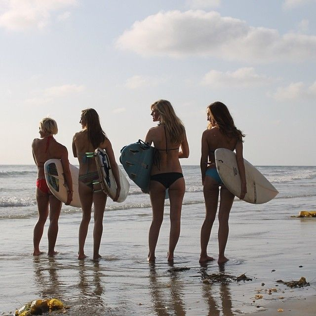Grab some #friends and #surf in this nice #weather #kalikalacjswimwear #swimwear #brazilianbikinis #bikinisets #seamless #etsy #girls #mermaids #sandiego #california #watergirl #etsy #bikinis #surfgirlbikinis #surfgirls #surfergirls #gurls #babes #ocean #sands #sun #salty #water #tan #cheeky #Padgram