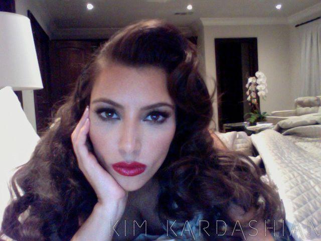 kim-kardashian-old-school-hollywood-glam-makeup-hair-071211-2.jpg (640×480)