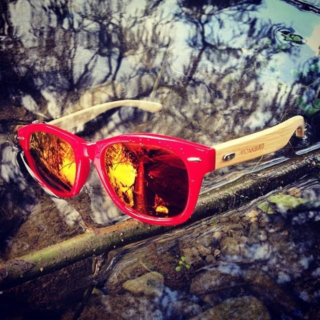 The Red Walker. Natural Bamboo and Acetate. #lightweight #stylish #waterproof #uv400 #polarized #eyewear #sustainable #wood #BeMönkbird #MönkbirdNature