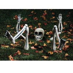 Halloween Yard Decoration Ideas- Halloween Graveyards & Scary Yard Stuff