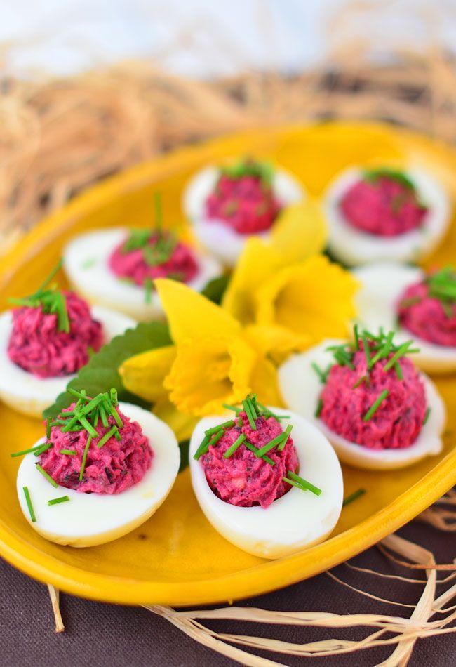 Jajka+faszerowane+buraczkami:+Dobre+jajko+nie+jest+złe.+A+takie+jajko+faszerowane+buraczkami?+Jest+przepyszne!...