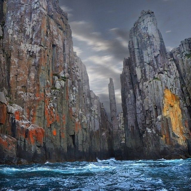 This is where I want to be right now, kayaking in Australia! How beautiful is this place! #adventure #tasmania #Padgram