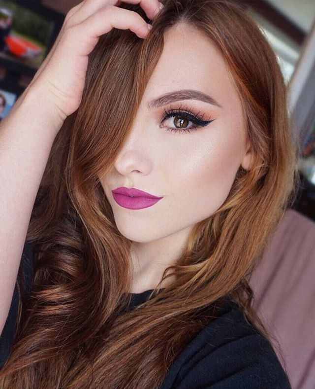 Pretty girl rock from @makeup.melissa We love her magenta lip color and this warm brown eye look incorporating the 35K Palette. Just wing it and keep the skin soft and radiant. #TeamMorphe