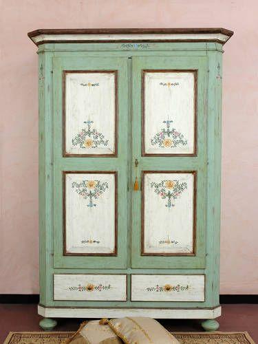 Armadio decorato a mano by Rose House Alberobello Bari