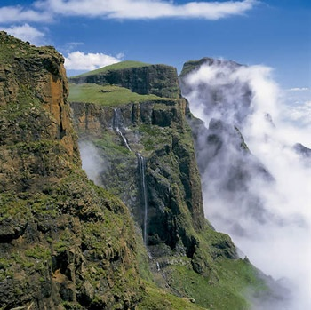 Drakensberg have't been in years!! Oh how I miss it so very much!! want to take my kids to see Tugela falls from the top!!