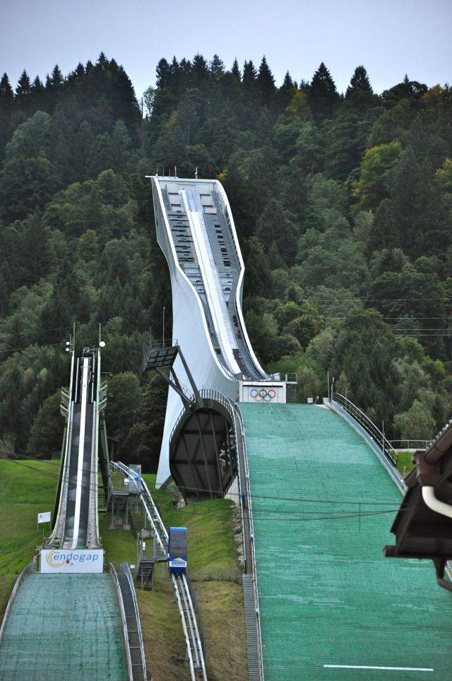 Rampa de salto de esqui em Garmisch-Partenkirchen, Baviera, Alemanha.  - Joaquim Nery.