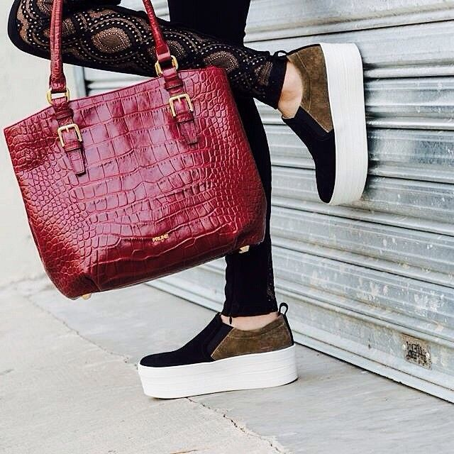 #AW14 #Black #Combined #Suede #Shoes #Croco #Leather #Bag #Outfit | Instagram: @pruneoficial