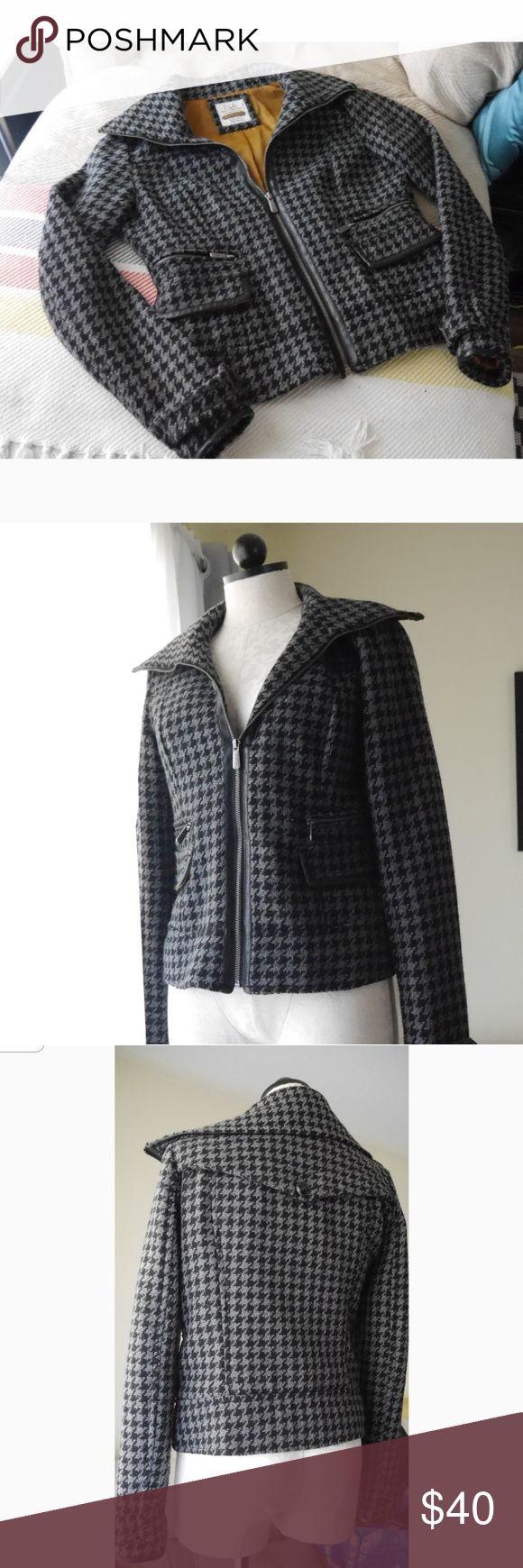 Houndstooth Bershka Jacket NWOT Super cool and stylish