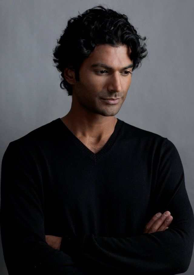 Because Adonis--I mean, Sendhil Ramamurthy--needs a moment to contemplate, too.