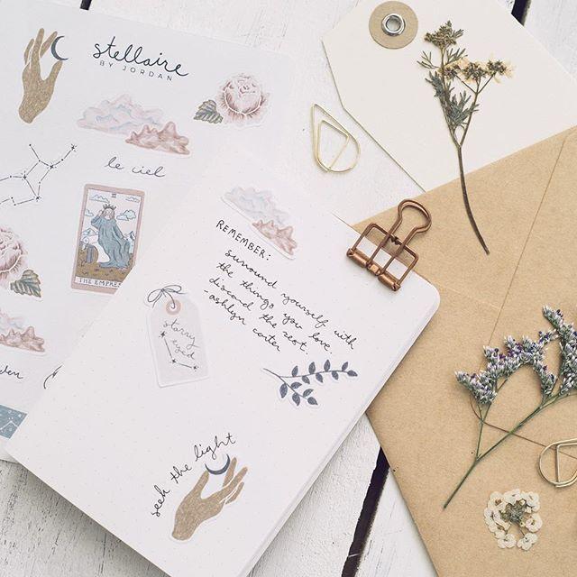 Escribir Amigo Río arriba  jordan clark (@jordan.e.clark) • Фото и видео в Instagram | Prints, Planner  inspiration, Pretty planners