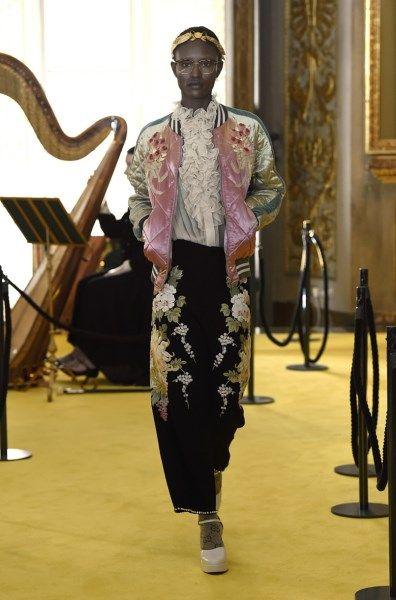Gucci presenteert Cruise-show met heel wat knipogen naar het... - Het Nieuwsblad