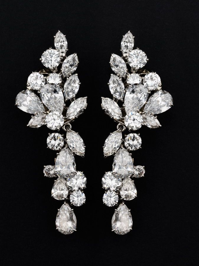 Diamond and platinum ear pendants by Van Cleef & Arpels #jewellery #diamonds #earrings