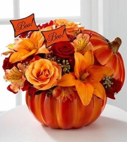 fleurs d'automne en vase-citrouille