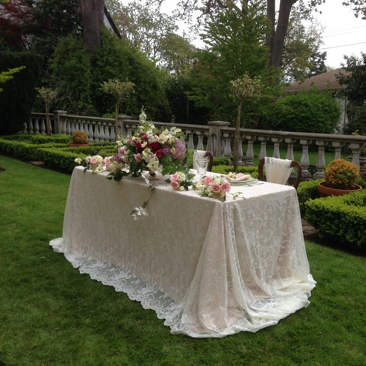Romantic lace sweetheart table