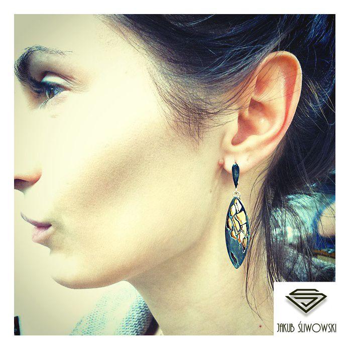 Jakub Sliwowski earring.