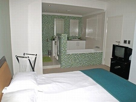 Self Catering Accommodation, Muizenberg, Cape Town  Main bedroom and en suite
