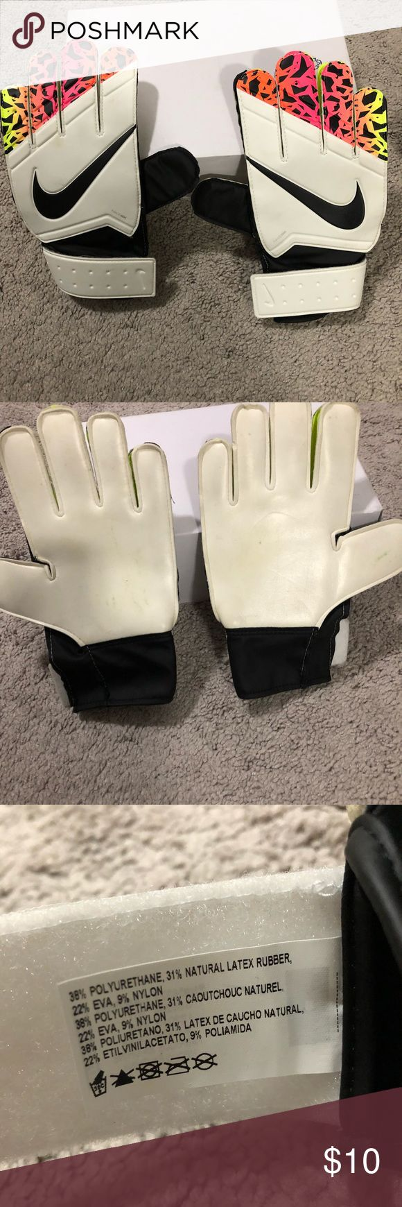 Nike soccer goalie gloves Used a bit has a green grass stain on the front Nike Other