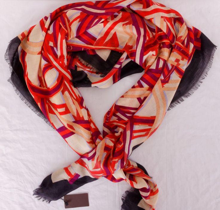 Палантин Gucci пашминовый теплый, черный красным. Размер 140x140cm #19945