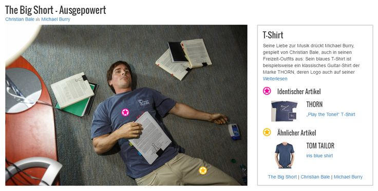 Seine Liebe zur Musik drückt Michael Burry, gespielt von Christian Bale, auch in seinen Freizeit-Outfits aus: Sein blaues T-Shirt ist beispielsweise ein klassisches Guitar-Shirt der Marke THORN, deren Logo auch auf seiner Brusttasche zu sehen ist. Mit diesem Style setzt der Hedgefonds-Manager persönliche Akzente in seinem Look und verrät einiges über seinen Charakter.