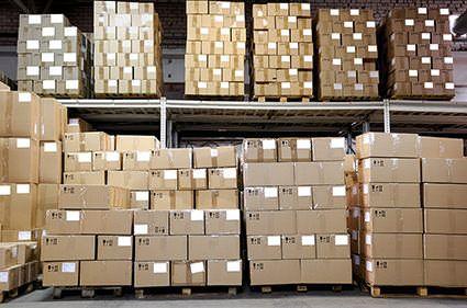 Gründe, nach der Vermietung von Lagerräumen und Lagerboxen zu suchen, gibt es viele. Nicht nur bei einem Umzug kann ein Lager zur Aufbewahrung Ihrer Möbel hilfreich sein. Gerade in Großstädten sind die Mieten oft alles andere als erschwinglich. Die Anmietung einer Lagerbox oder von Lagerräumen kann eine durchaus interessante finanzielle Option sein, um