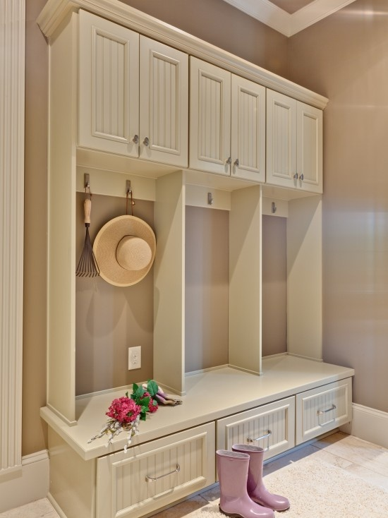 Mud Room Design, Pictures, Remodel, Decor and Ideas--- I want to do something like this for in the laundry room.
