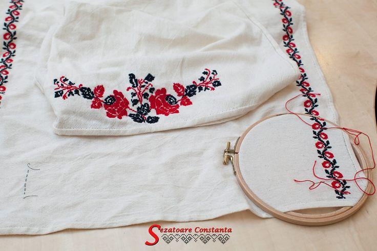 Camasa cu platca de Dobrogea lucrata in cadrul proiectului sub indrumarea si dupa modelul descifrat de catre Simonei Niculescu.