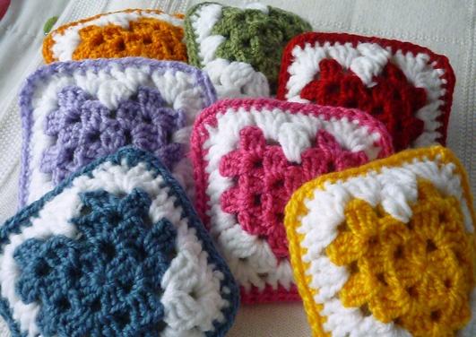 Cómo hacer corazones de crochet relleno de lavanda para perfumar los armarios y cajones