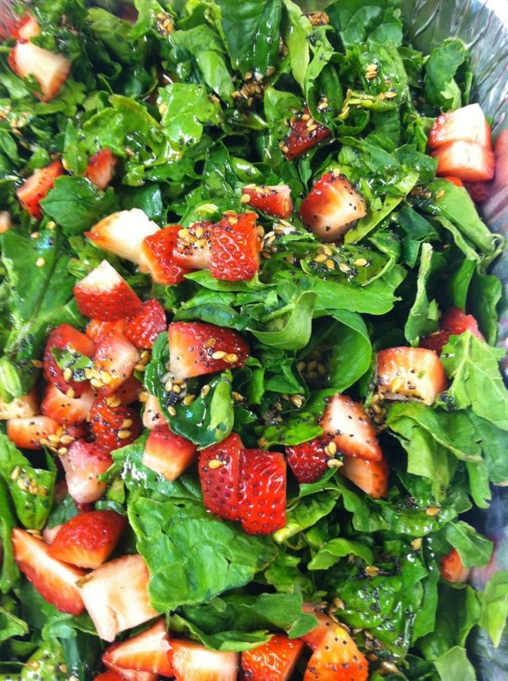 Strawberry Spinach Salad with Poppyseed Dressing    This is just like the one I make but I add slivered almonds instead of pecans and use vegan worcestershire sauce