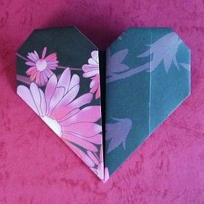 Origami Heart directions, very simple made it easy to dip my toes into doing origami.