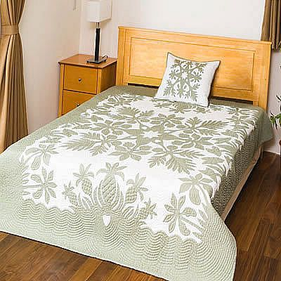 Pineapple Hawaiian quilt in gray and white