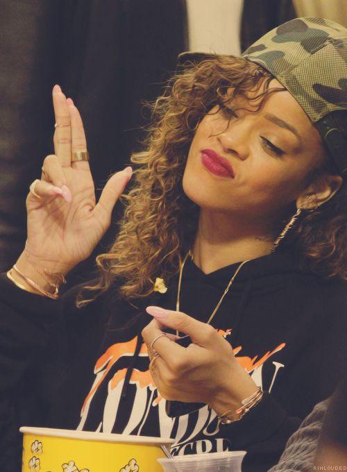 Rihanna Middle Finger Tumblr | www.pixshark.com - Images ...