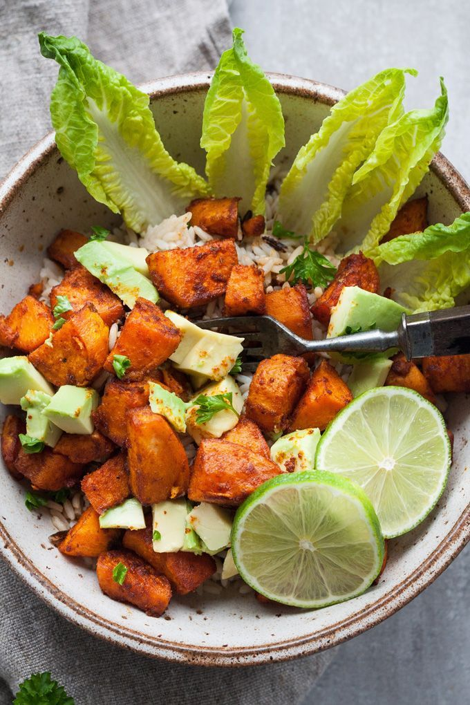 Buddha Bowl with roasted sweet potatoes   – Leckere Rezepte – Tasty recipies
