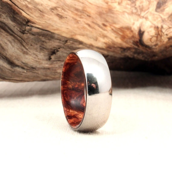 Mens Wedding Band - Titanium and Rosewood; love that the rosewood is hidden! Maybe Michael might like