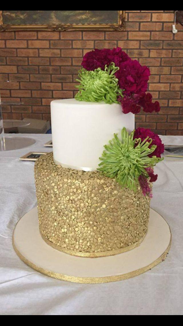 Gold & Ivory engagement  cake ❤️