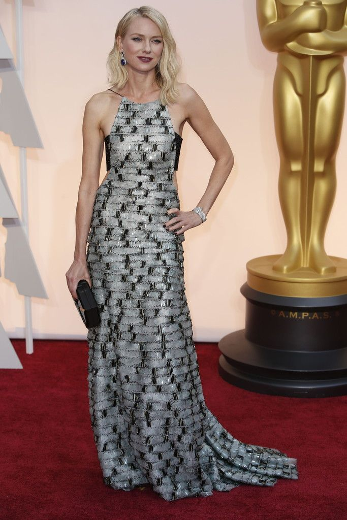 Naomi Watts in Armani at The Oscars 2015. Click to see more of our editors' favorite red carpet looks from the 87th Academy Awards. (Photo: Noel West for The New York Times)