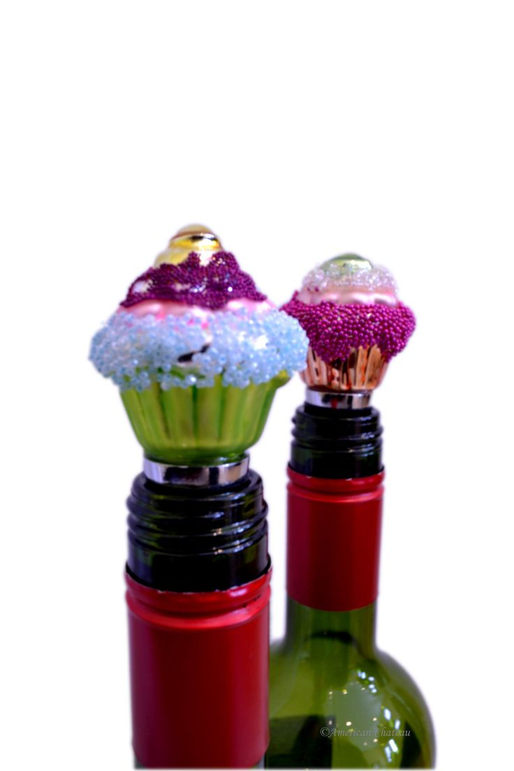 American Chateau - Set 2 Art Glass Cupcake Wine Bottle Stopper with Gift Box AT4ND202, C$16.96 (http://www.americanchateau.com/Set-2-Art-Glass-Cupcake-Wine-Bottle-Stopper-with-Gift-Box-AT4ND202/)