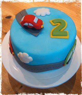 Kaccy's Lounge: Eine feine Geburtstagstorte zum 2.Geburtstag #junge #auto #fondant #torte #kinder #geburtstag #boy #cake #car