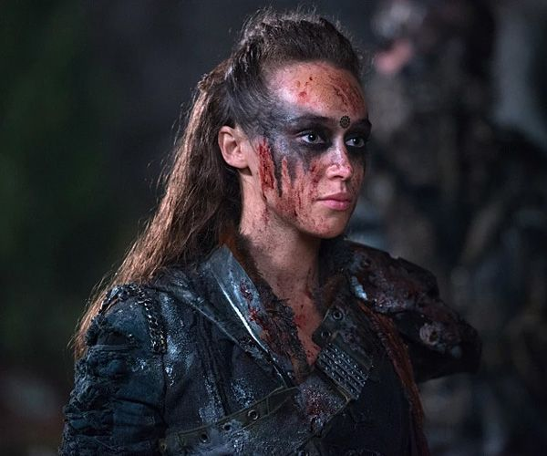 Dress like Commander Lexa, the leader and uniter of the 12 grounder clans from the post-apocalyptic TV show The 100.